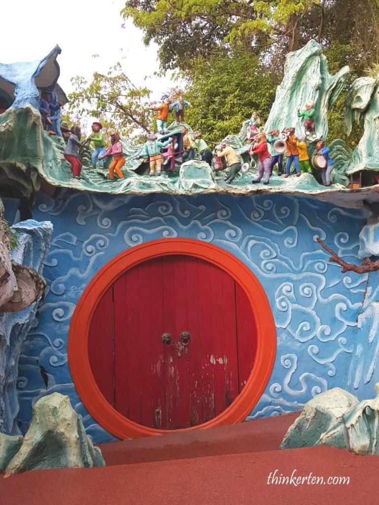 Haw Par Villa Moon Gate