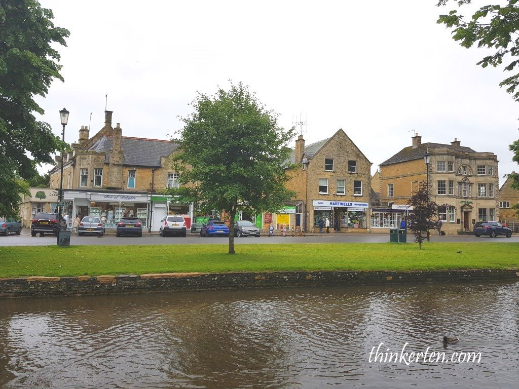 Bourton-on-the-Water atCotswolds