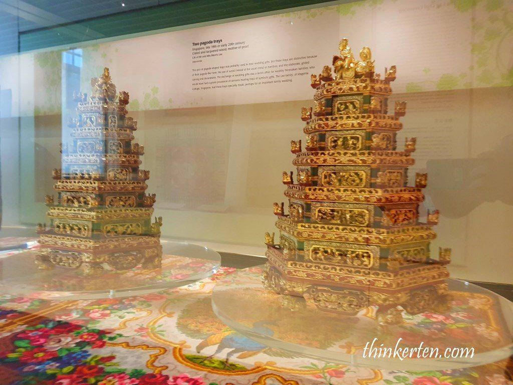 Peranakan Museum Singapore - Pairs of Pagoda Trays