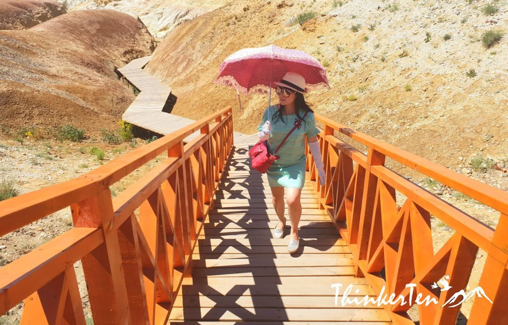 China : Xinjiang - Top 5 things you need to know in 5 Colored Beach - Wu Chai Tan /五彩滩