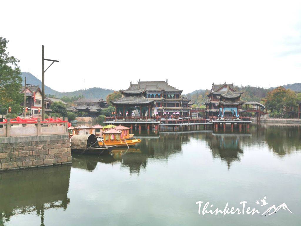 Along the River During the Qingming Festival (清明上河图)
